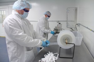 cleanroom_assembly2-300x200
